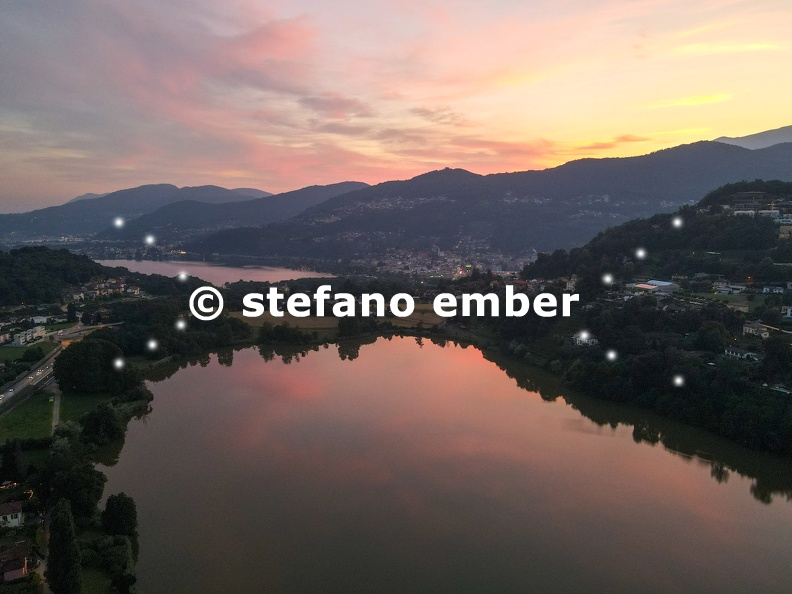 Sunset_over_lake_Muzzano_near_Lugano_on_the_italian_part_of_Switzerland.jpg