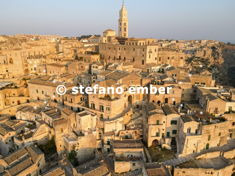 The_village_of_Matera_on_Italy.jpg
